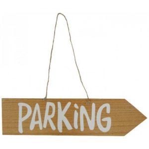 Houten bord met tekst parking