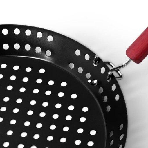 Barbecue pan detail