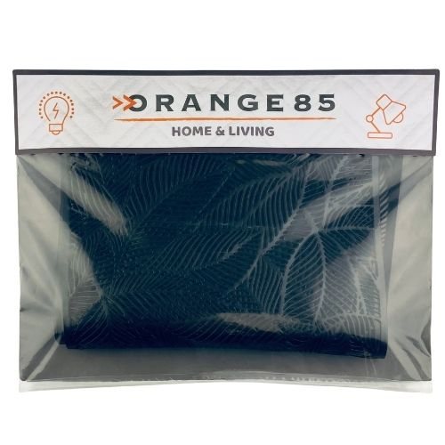 https://weekendwebshop.nl/wp-content/uploads/2020/10/Orange85-Placemats-Zwart-met-Veren-Set-van-4-4.jpg