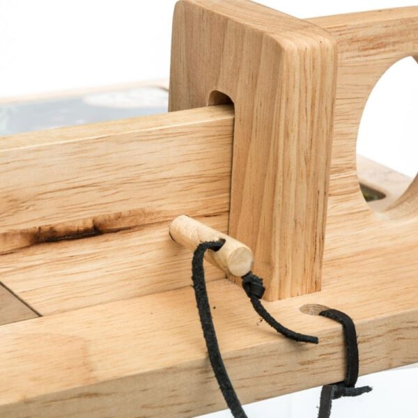 Borrelplank met snijmachine detail