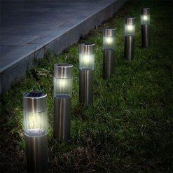 sfeerbeeld tuinverlichting fakkels