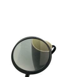 Sfeerafbeelding vergrootglas zwart